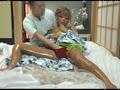 アダルト動画:温泉旅館でマッサージ師に黒いギャルママを寝取らす性感マッサージ大作戦
